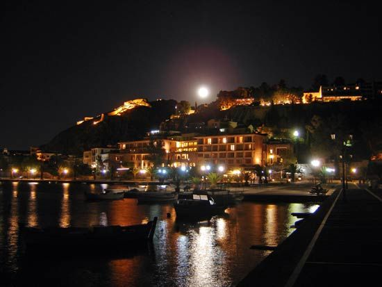 Full moon over #Nafplio in the #Peloponnese, #Greece