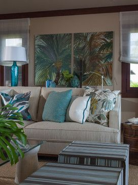 Such a beautiful beachy color palette. Great art work and love the lamp too! #coastaldecor #coastallighting