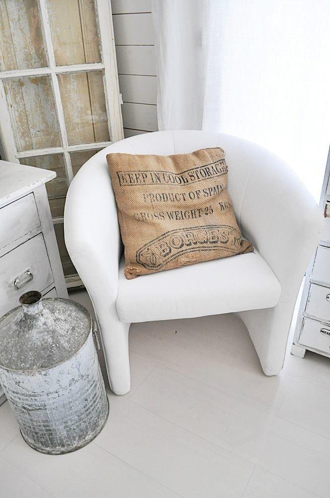 die besten 17 ideen zu alte st hle streichen auf pinterest k chenst hle streichen. Black Bedroom Furniture Sets. Home Design Ideas