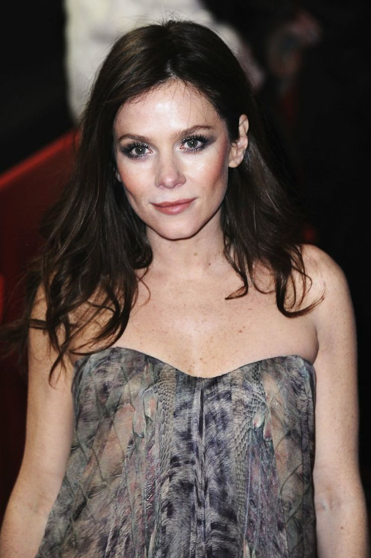 Pictures & Photos of Anna Friel - IMDb