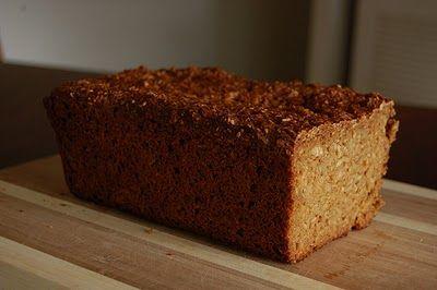 SCHWARZBROT - DEUTSCHBROT - PÃO PRETO ALEMÃO     INGREDIENTES   250 g de farinha de trigo.  250 g de centeio grosso.  150 g grãos de trigo ...