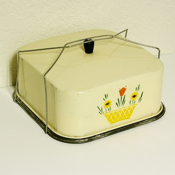 Vintage cake/pie  carrier