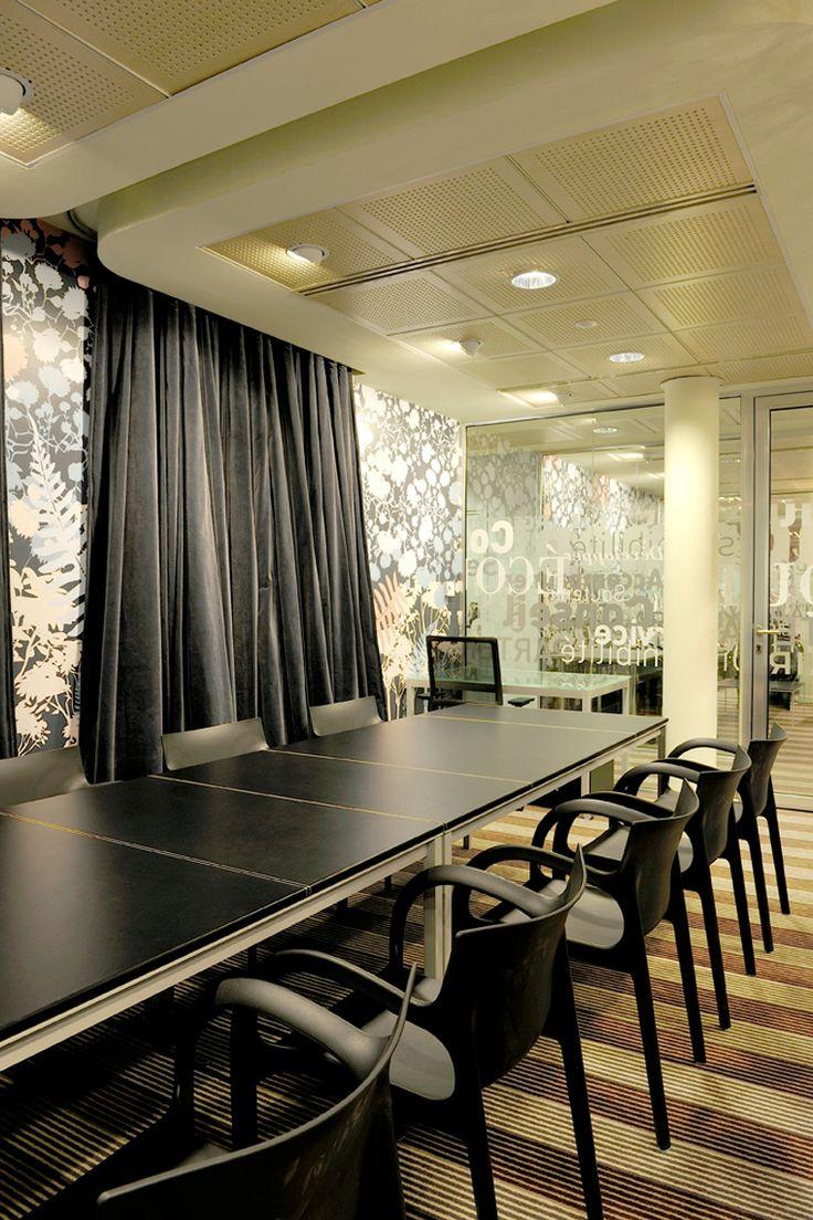 Modern office meeting room design meeting room setup for Modern office room