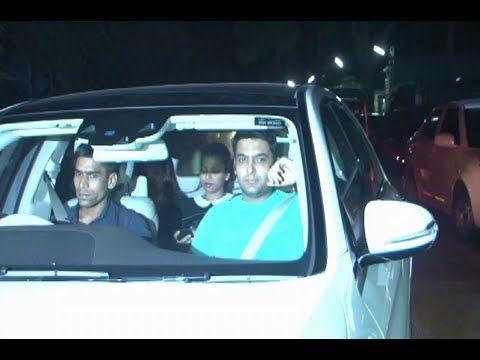 Kapil Sharma spotted at the special screening of the movie PIKU.  See the video at : https://youtu.be/JMj6mUKqclk  #kapilsharma #piku #bollywood #bollywoodnews