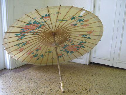 $30 Vintage Paper ORIENTAL PARASOL Brown Umbrella 67x 97cm Text 0411691171 or email info@bitspencer.com