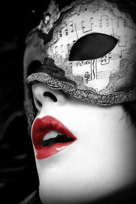 masque                                                       …