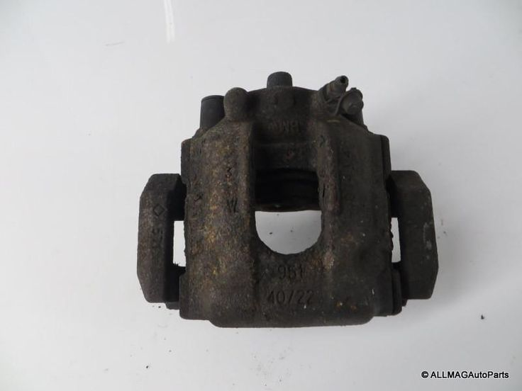 01-05 BMW 330xi Sedan Right Rear Brake Caliper & Bracket 34216768424 E46