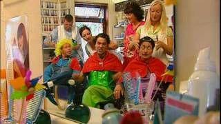 Dirk Scheele & De Liedjesband - Bij de kapper, via YouTube.