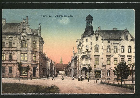 old postcard: AK Komotau / Chomutov, Weitmühlstraße mit Passanten