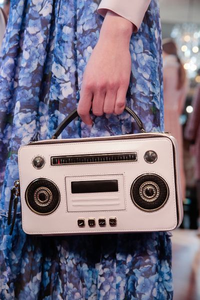 Kate Spade Fall 2016 - ladies designer handbags, purse sale, name brand handbags *sponsored https://www.pinterest.com/purses_handbags/ https://www.pinterest.com/explore/hand-bag/ https://www.pinterest.com/purses_handbags/womens-purses/ https://francesvalentine.com/shop/handbags