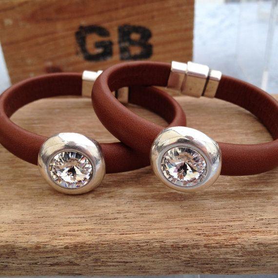 Leather bracelet with swarovski crystal set in silver