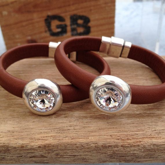 Leather bracelet with swarovski crystal set in silver
