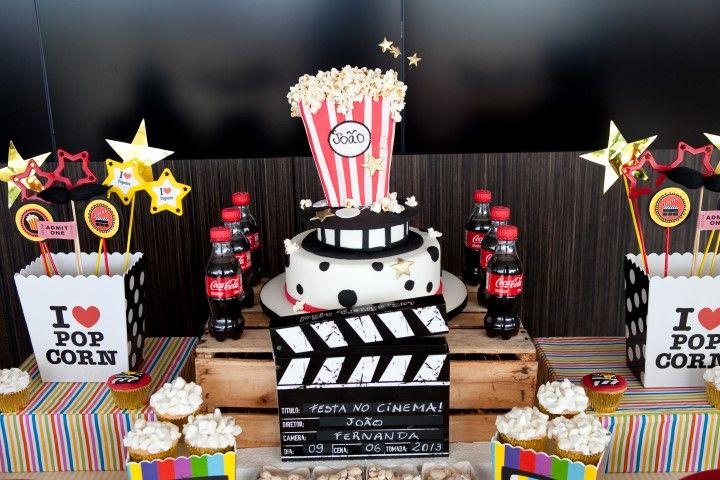 Foi muito divertido fazer esta mesa com tema cinema para o aniversário de 6 anos do João no cinema Cinépolis Lagoon. Adorei todo o conceito...