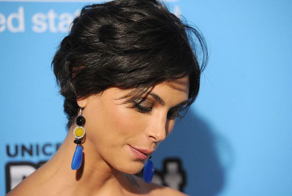 Morena Baccarin's hair (bob from the back).