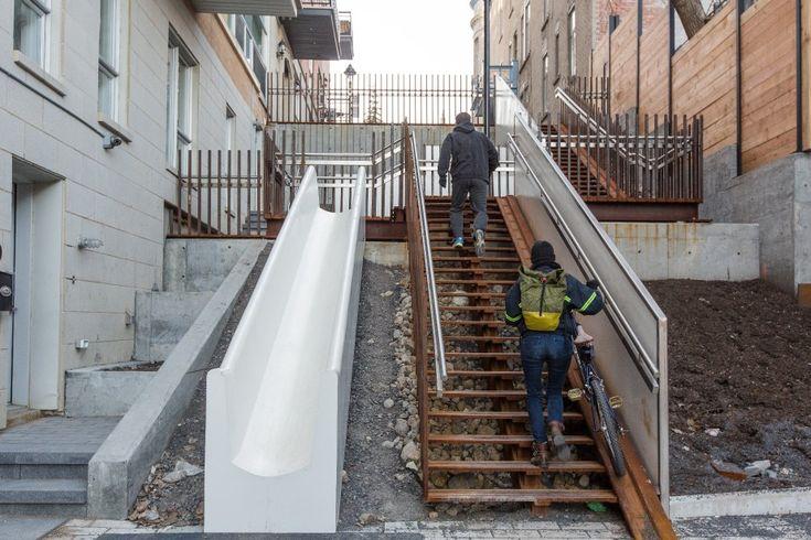 Une glissade blanche aménagée récemment par l'arrondissement de Ville-Marie à côté d'un escalier reliant la rue Saint-Christophe, un cul-de-sac, à la rue Sherbrooke...
