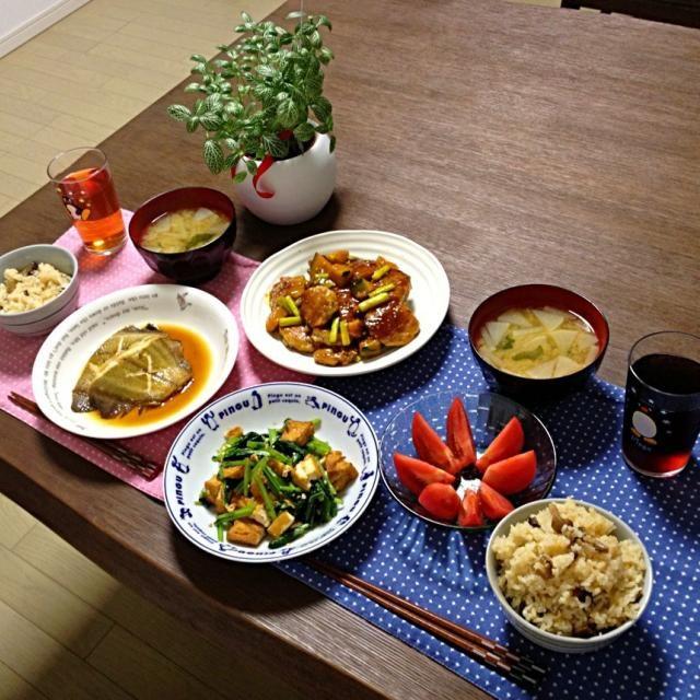 鰈の中で、私は水鰈が好き! (^。^) - 16件のもぐもぐ - 小松菜と厚揚げの胡麻油炒め、水鰈の煮付、肉団子とかぼちゃの甘辛あん、大根のお味噌汁、冷やしトマト、しめじご飯 by pentarou