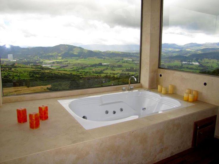 El Condominio Horizontes en Bogotá llena sus espacios de confort y relax con nuestras bañeras e hidromasajes. www.firplak.com