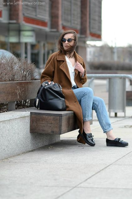 retro long oversize coat fashion blogger street style trends camel