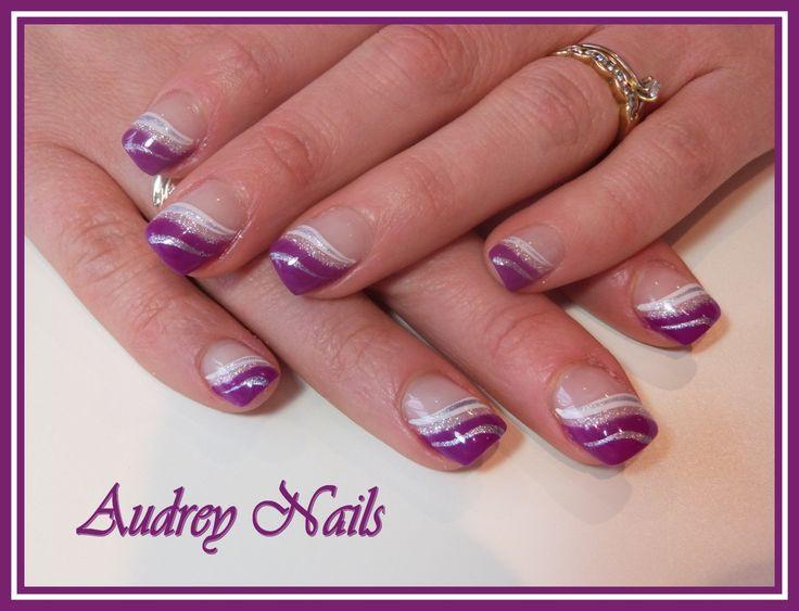 French En Vague Hypnotic Violet Et Blanc Argent Nails And Hair Nails Art Deco Nails