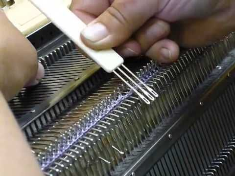Interesting technique for moving ribber stitches to the main bed; перенос петель