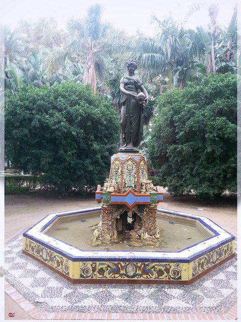 Fuente: Ninfa del cántaro.Paseo del parque. Málaga. AS