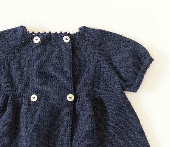 Vestido hecho punto del bebé. Azul de Marina de por tenderblue