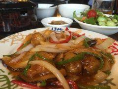 頤和園博多にてランチ打合せ いつも麻婆豆腐定食ですが 今日は酢豚定食にしました  うんやっぱり美味しいですね  #頤和園 #中華 #博多  tags[福岡県]