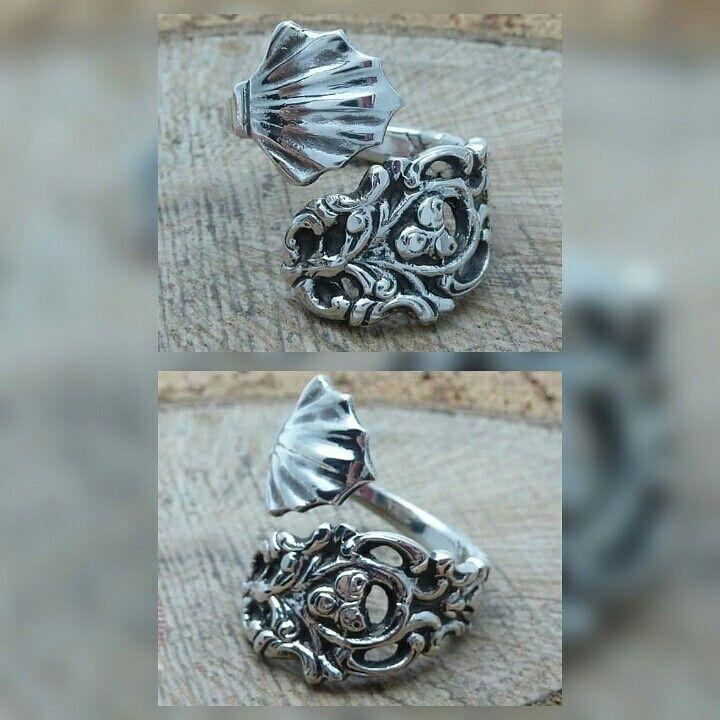 www.muenzenringe.de Na ihr, was war das einmal?? Jetzt ist ein herrlicher Ring in Silber entstanden, upcycling in Perfektion  #ring #silber #silver #upcycling #upcycle #jewelery #jewelrygram #insta #instapic #handmadejewelry #handmade #selfmade #graft #dawanda #naumburg #perfektion #herrlich #unikat #breclet #earrings #necklaces #fashion #style #lifestyle #zuckerzange #münzring
