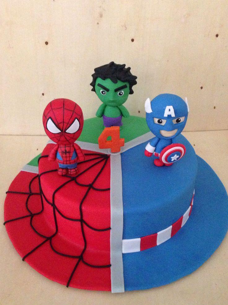 Cake de vainilla con arequipe. Spiderman, Capitán América y Hulk #cakeitbogota