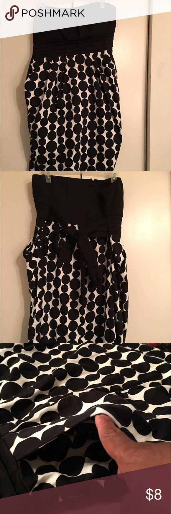 SNAP black and white polka dot strapless dress Strapless dress that's great for a night out or for the party scene. It's lightly padded. Used. Has been worn a few times. Snap Dresses Strapless