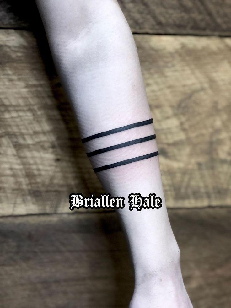 Pin by Kie on Tattoo Crown tattoo, Tattoo artists, Tattoos
