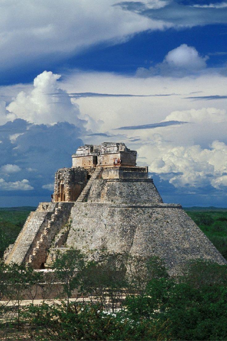 ¿Sabías que la pirámide del adivino en Uxmal tiene 5 templos en su interior?