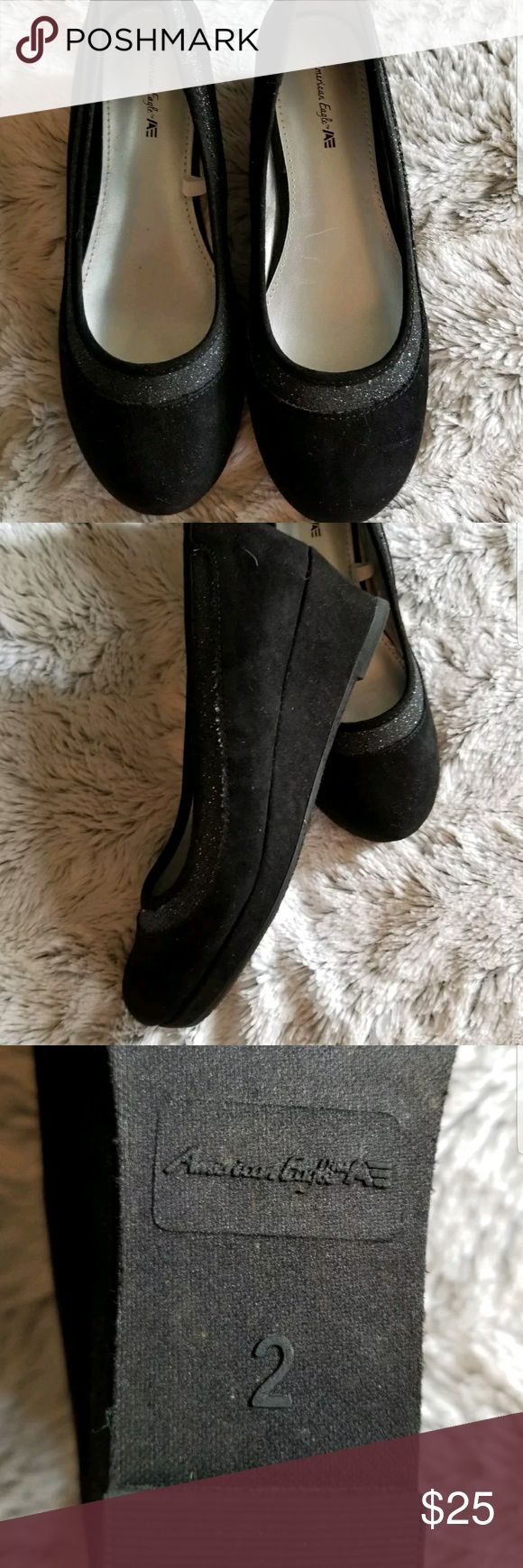 NWOB Girls Youth Black Fake Suede Wedge Shoes NWOB Girls Youth Black Fake Suede Wedge Shoes American Eagle sz 2 new w out tag American Eagle by Payless Shoes Platforms