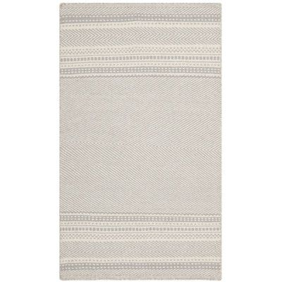Safavieh Kilim Grey / Ivory Traditional Rug & Reviews | Wayfair