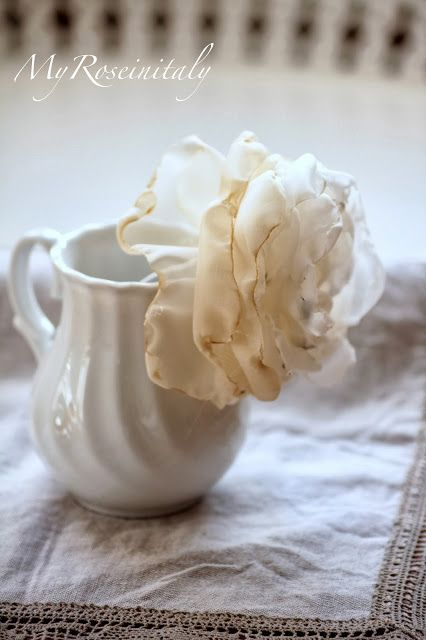 127 best images about fiori di stoffa e carta on pinterest for Tutorial fermaporta di stoffa