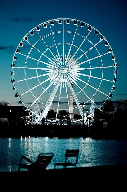 La Grande Roue - Ferris Wheel - Paris. We could kiss at the top. Cuz I love to kiss you. :)