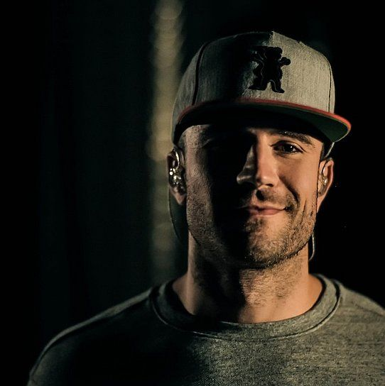 Sam Hunt.. I am beyond obsessed lol