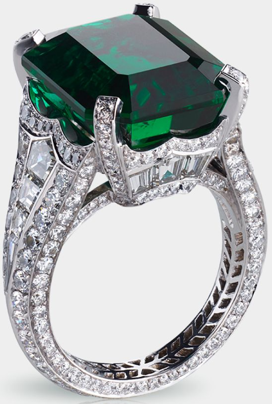 #FabergeSolyanka emerald ring. Centered by a 13.73 carat emerald and featuring 14 baguette diamonds and 251 round diamonds totalling 5.62 carats.