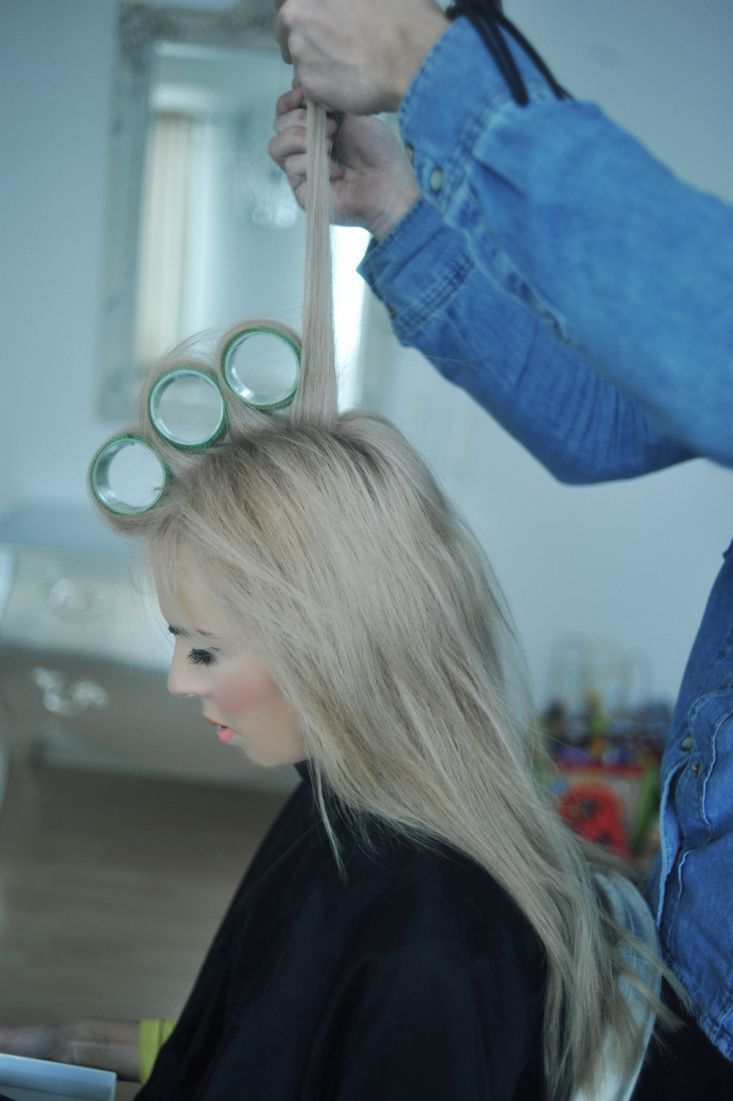 how to put rollers in wet hair