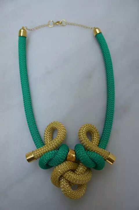 Green and gold knots