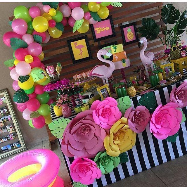 Festa Flamingo. Por @nathaliaventrilho Com @nana_negrao @sweetmemoriesatelie @ateliedanibastos @papelideia @luizandreani #encontrandoideias #blogencontrandoideias #fabiolateles