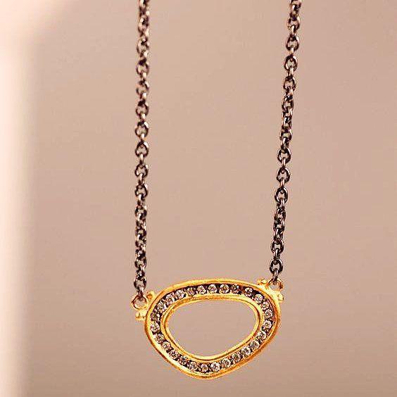 May your Friday sparkle  #likabehar #likabeharcollection #24k #gold #oxidized #silver #diamond #necklace #gemstone #jewelryoftheday #finejewelry #look #fashion #love #jewelry #jewellery #handmade #designerjewelry #jewelryaddiction #sparkle #friday