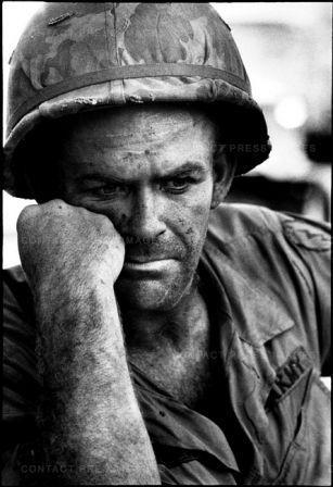 US soldier, Battle of Dak To, Hill 875, South Vietnam, November 1967