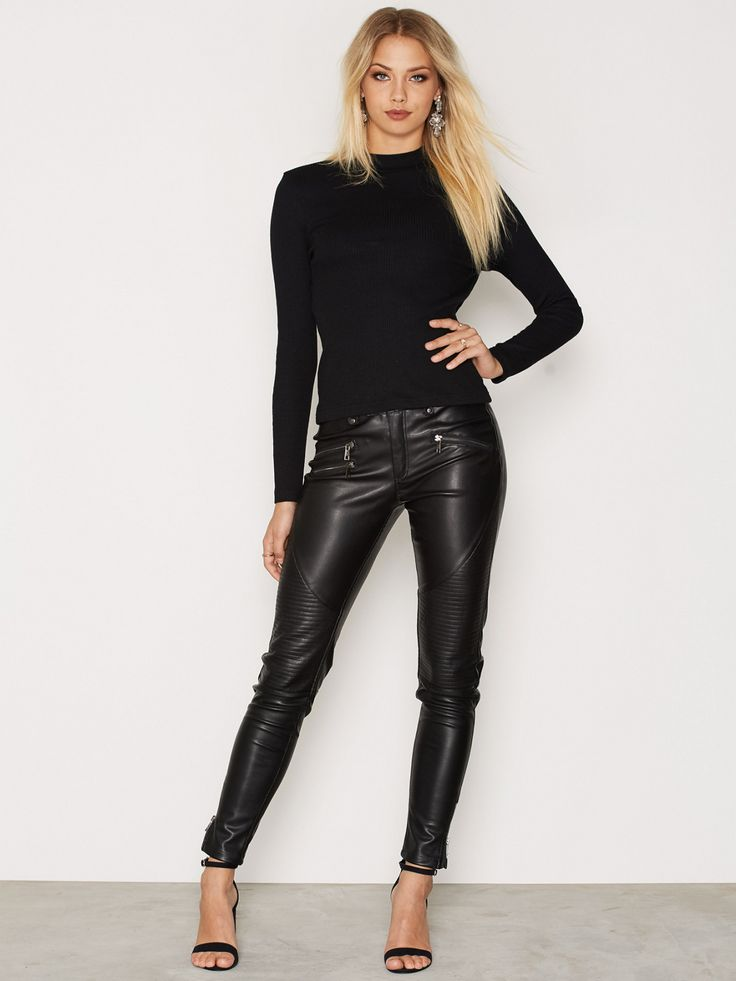 "wannashakeyou: "" Hanna Edwinson "" | Leather Outfit ..."