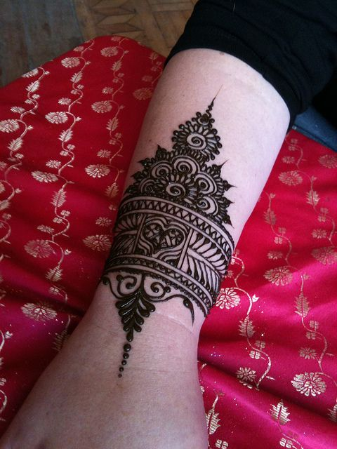 Henna or mehendi is an ancient Indian tradition of adorning the body with intricate patterns. Mehendi leaves are plucked from a particular bush that grows quite aggressively in most parts of India and which is used as a hedging plant because of its thorns.