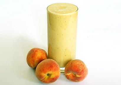 Peach Smoothie Sip this delicious snack on the Flat Belly Diet Jumpstart SERVINGS: 11 cup skim milk 1 cup frozen unsweetened peaches 2 tsp cold-pressed organic flaxseed oil (MUFA) Place milk and frozen, unsweetened peaches in blender and blend for 1 minute. Transfer to glass, and stir in flaxseed oil.