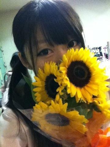 お花頂いた (๑´ڡ`๑)夏のお花☆大好き! |渡辺まあり@アリス十番の投稿画像 http://p.twipple.jp/Xb5kZ