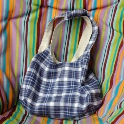 Very roomy, super cute, and super speedy to make! A lined bag for your everyday needs, with an inner cellphone pocket.Bags Totes Wallets, Crafts Ideas, Bags Sewing, Everyday Bags, Diy Bags, La Vie, Super Cute, Fine Projects, Sewing La
