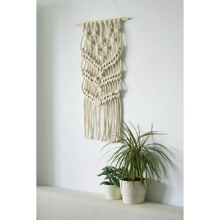 "Polubienia: 138, komentarze: 4 – Jadzia Lenart (@jadzialenart) na Instagramie: ""Yesterday I made my first macrame ever ➿➰➿ and I learned one thing: I need more rope! #macrame…"""