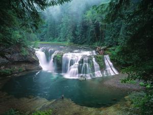 Cataratas inferiores del río Lewis, Gifford Pinchot National Forest, Washington, EEUU